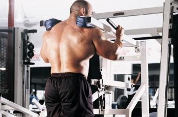 Génération Iron Calf Machine Shoulder Shrug